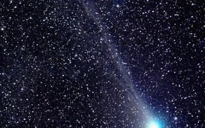 梅克賀茲彗星 Comet Macholz (Comet 2004 Q2)